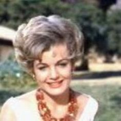 "Joanna Barnes in the original ""The Parent Trap"" She was the evil fiance. I thought she was sooooo glamorous! Joanna Barnes, Parent Trap, Childhood Movies, Star Pictures, Lions, Movie Stars, Movie Tv, Nostalgia, Parents"