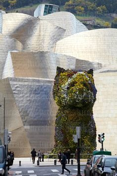 Museo Guggenheim in the city of Bilbao, Vizcaya, Spain Basque Country, Spain And Portugal, Travel Memories, Spain Travel, Architecture, Installation Art, Wonderful Places, Cool Places To Visit, Paris