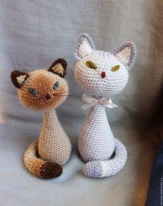 Игрушки животные, ручной работы. Ярмарка Мастеров - ручная работа. Купить Породистые и не очень... (коты-игрушки) вязаные статуэтки. Handmade.