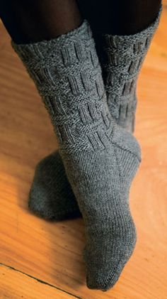 Ravelry: Dundee pattern by Norah Gaughan Lace Knitting Stitches, Knitting Charts, Knitting Socks, Hand Knitting, Knitting Patterns, Crochet Hooks, Knit Crochet, Knitted Socks Free Pattern, Knitted Slippers
