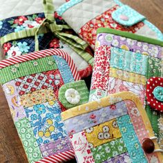 Needle Book, Needle Case, Small Sewing Projects, Sewing Crafts, Fabric Scrap Crafts, Small Quilt Projects, Fabric Sewing, Pdf Sewing Patterns, Quilt Patterns