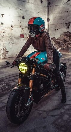 Virago Cafe Racer, Yamaha Cafe Racer, Cafe Bike, Cafe Racer Motorcycle, Motorcycle Garage, Motorcycle Design, Scrambler, Cafe Racer Style, Custom Cafe Racer