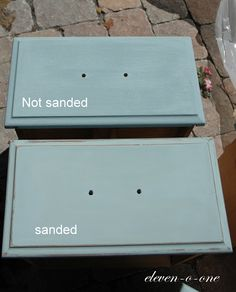 """An alternative to Annie Sloan Chalk Paint (which is insanely expensive).painting with baking soda mix: Sherwin Williams paint in color """"Rain"""".The recipe was two parts paint to one part powder. Chalk Paint Projects, Chalk Paint Furniture, Furniture Projects, Diy Furniture, Building Furniture, Furniture Refinishing, Refurbished Furniture, Furniture Makeover, Layout Design"""