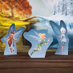 Since Winter has taken its control over most of the Northern Hemisphere, I thought It would be fitting to share some Winter Fairy printables from the Disney Movie Tinkerbell Secret of the Wings. Disney Diy, Disney Crafts, Disney Cupcakes, Disney Activities, Activities For Kids, Kids Crafts, Secret Of The Wings, Create Your Own Adventure, Disney Printables