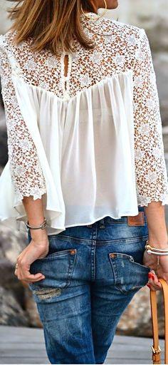 So feminine.A White Lace Splicing Chiffon Long Sleeve T-shirt Mode Style, Style Me, Look Fashion, Fashion Beauty, Trendy Fashion, Latest Fashion, Spring Fashion, Fashion Trends, Lingerie Look