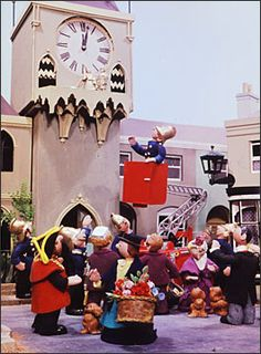 Trumpton's Mayor outside the Town Hall. 1970s Childhood, My Childhood Memories, Cartoon Tv Shows, Cartoon Characters, Kids Tv, Vintage Tv, My Youth, Kids Shows, Classic Tv