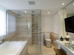 Banheiro com Box até o Teto