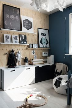 21st Century Homes, Kid Spaces, Kidsroom, White Wood, Home Decor Items, Baby Room, Boys, Interior, Barnrummet