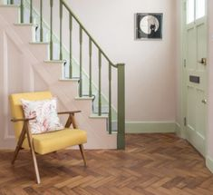 Monday Inspiration: Beautiful Rooms - Pink walls green bannister mint green door and yellow chair via kittykellystyle Hallway Inspiration, Monday Inspiration, Colour Inspiration, Bannister Ideas Painted, Yellow Hallway, Mint Green Walls, Pink Walls, Dark Wooden Floor, Mint Rooms
