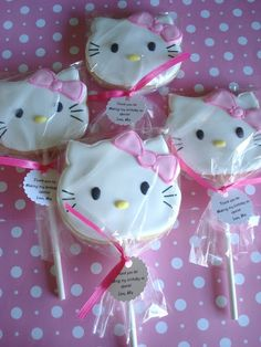 hello kitty cookie pops