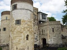2 May 1536 – The Arrest of Queen Anne Boleyn: http://www.theanneboleynfiles.com/2-may-1536-the-arrest-of-queen-anne-boleyn/  IMAGE: The Court Gate of the Byward Tower, Tower of London