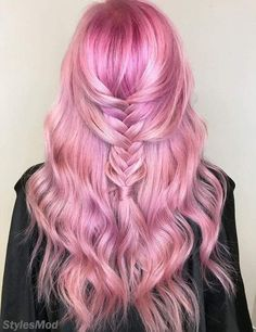 Super Cute & Stylish Braids Look With Pink Hair Color Ideas. When the Stylish girls & women comes to Hair Color Ideas then Many people are thinking about the Pink Hairstyles. Because in the pink Hair Which Hair Colour, Hair Color Pink, Cool Hair Color, Hair Colours, Hair Color Highlights, Hair Color Balayage, Vintage Hairstyles, Trendy Hairstyles, Rose Fuchsia