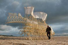 'Animaris Umerus,' Scheveningen beach, The Netherlands (2009) by Dutch artist Theo Jansen. via Boston Magazine