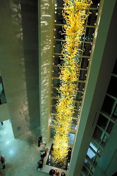 DALE CHIHULY ELEANOR BLAKE KIRKPATRICK TOWER, 2002 55' TALL OKLAHOMA CITY MUSEUM OF ART, OKLAHOMA CITY, OKLAHOMA