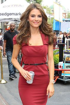 Maria Menounos photos. Very nice dress, beautifull tone for autumns.