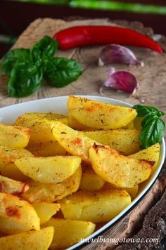 Pieczone ziemniaki ziołowo-czosnkowe