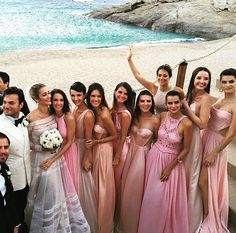 BRIDESMAIDS !! 🇧🇷🇬🇷💛💚💙 @anabeatrizbarrosofficial @malubarros__ @patibarros @isabelifontana @fernandamottaoficial @sabrimuller @remaciel11 @jeisachiminazzo @taniaelchiaty #anabandkarim