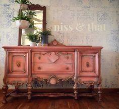 Cool Furniture Inspiration – My Life Spot Coral Furniture, Painting Wooden Furniture, Unique Furniture, Shabby Chic Furniture, Furniture Projects, Rustic Furniture, Furniture Makeover, Vintage Furniture, Diy Furniture