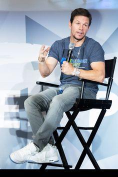 Mark Wahlberg Marky Mark, Wahlberg Brothers, Matt Damon, Jack Black, Stevie Nicks, Left Handed, Nike, Cute Guys, Casual Outfits
