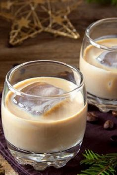 Baileys Recipes, Mousse, Cocktails, Drinks, Ajouter, Aide, Glass Of Milk, Punch, Panna Cotta