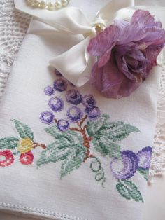 Towel, Linen Towel, Grapes, Drawnwork Hem, Shabby Cottage, French Country, by mailordervintage one tsy
