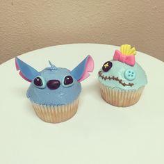 Birthday Cake Disney Stitch 70 New Ideas Disney Desserts, Cake Disney, Disney Frozen, Disney Cupcakes, Disney Food, Disney Ideas, Lilo En Stitch, Lilo And Stitch Cake, Wedding Cakes With Cupcakes