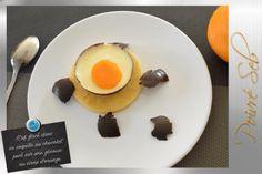 L'œuf glacé dans sa coquille au chocolat, posé sur une génoise au sirop d'orange - Poivré Seb Dessert, Eggs, Orange, Breakfast, Food, Syrup, Chocolates, Shell, Pepper