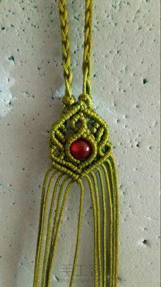 尾扣整理计划2:四股辫合并尾扣 第27步 Micro Macramé, Macrame Jewelry, Knots, Arts And Crafts, Pendant Necklace, Jewels, Beads, Stone, Crochet