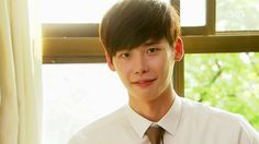 """Lee Jong Suk Brings In Food Truck For """"I Hear Your Voice"""" Crew"""