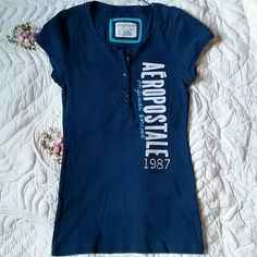 FINAL PRICE ✔️ Cute stretch t-shirt 👚💋💄 great condition size large stretch cotton ., normal sign of wear. Aeropostale Tops Tees - Short Sleeve