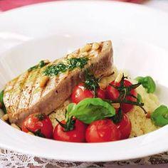 Recept - Gegrilde tonijnsteak met basilicumsaus - Allerhande