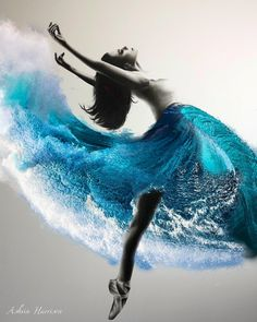 Wave Dance Mini Art Print by ashvinharrison Art Ballet, Ballerina Painting, Ballerina Art, Ballet Drawings, Art Drawings, Contour Drawings, Drawing Faces, Fantasy Kunst, Fantasy Art