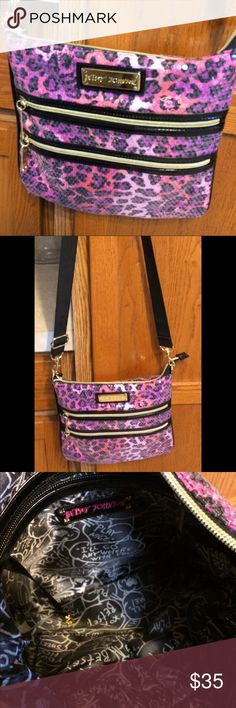 Betsy Johnson Crossbody Bag Betsy Johnson crossbody bag with sequins. In excellent condition. Betsey Johnson Bags Crossbody Bags