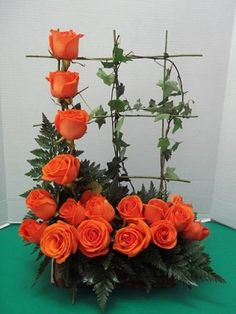 Pin by Faustyna Glinka on Kompozycje kwiatowe Altar Flowers, Church Flower Arrangements, Rose Arrangements, Church Flowers, Unique Flowers, Beautiful Flowers, Deco Floral, Arte Floral, Ikebana