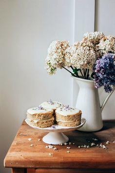 Lavender and earl grey cakes with lemon and white chocolate ganache