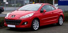 Peugeot 207 CC. La 207 est la voiture la plus vendue en Europe en 2007 et en France de 2007 à 2010.