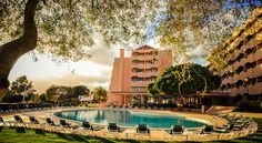 Vila Gale Atlantico Albufeira The Vila Galé Atlântico Hotel offers palm-framed apartment accommodation just 300 metres from Praia da Galé. The hotel features a well-equipped health club and 3 swimming pools.