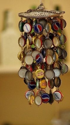 DIY Wind Chime Ideas bottle-cap wind-chime: easy craft project for boys old enough to use a hand drill. J is going to LOVE this.bottle-cap wind-chime: easy craft project for boys old enough to use a hand drill. J is going to LOVE this. Diy Projects To Try, Crafts To Do, Craft Projects, Arts And Crafts, Craft Ideas, Diy Ideas, Kids Crafts, Decorating Ideas, Easy Crafts