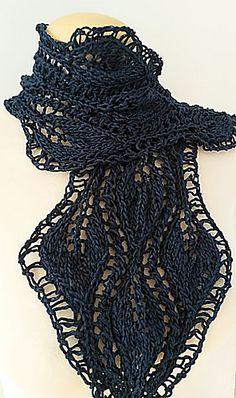 3leaf_scarf_hand_knit7_medium