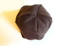 Recycled sweater hat (showing the seams) Cappello In Maglia fefc64797f70
