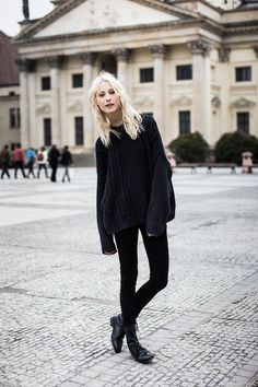 oversized chunky knit sweater with leggings/black skinnys, black ankle boots