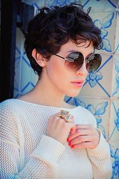 Today we have the most stylish 86 Cute Short Pixie Haircuts. We claim that you have never seen such elegant and eye-catching short hairstyles before. Pixie haircut, of course, offers a lot of options for the hair of the ladies'… Continue Reading → Pixie Cut Curly Hair, Short Curly Pixie, Curly Pixie Hairstyles, Haircuts For Curly Hair, Short Pixie Haircuts, Short Hair Cuts, Curly Hair Styles, Easy Hairstyles, Haircut Short