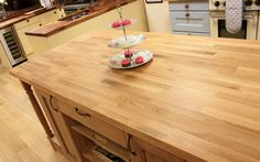 Visit our Gloucestershire kitchen showroom to see a wide variety of worktops in…
