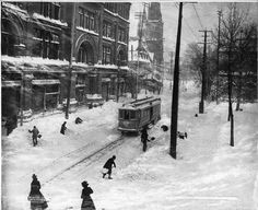 Snow clearing along St Catherine Street, Montreal, Quebec, Canada - 1901 Old Montreal, Montreal Ville, Montreal Quebec, Quebec City, Westminster, Rue Sainte Catherine, Catherine Street, Black And White Artwork, Photo Vintage
