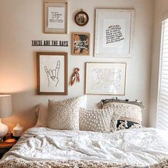 All Roads Yucca Throw Blanket Room Ideas Bedroom, Teen Room Decor, Decorating Walls In Bedroom, Pictures For Bedroom Walls, Square Bedroom Ideas, Wall Decor For Bedroom, Above Headboard Decor, Adult Bedroom Decor, College Bedroom Decor