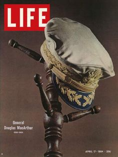 Magazines offers Vintage LOOK Magazines and Original LIFE Magazine for sale. Life Magazine, History Magazine, Magazine Rack, Douglas Macarthur, Life Cover, Vintage Comics, Vintage Art, Vintage Magazines, Book Of Life