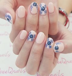 nail art nailart nail art designs prom dress makeup nail design brush nail designs airbrush makeup and nail makeup nail art nailart art makeup design hansen magical nail makeup Fall Nail Art Designs, Cute Nail Designs, Diy Nails, Cute Nails, Nail Nail, Nail Polish, Manicure E Pedicure, Manicure Ideas, Flower Nails
