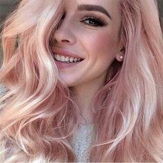 Blorange Hair Looks - Strawberry blonde hair trend with long wavy hair Blorange Hair, New Hair, Girl Hair, Hair Dye, Prom Hair, Wavy Hair, Blond Rose, Blonde Pink, Blonde Rose Gold Hair