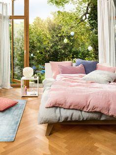 Micasa Schlafzimmer mit Bett Maillard und Regalkombination LINUS (individuell zusammenstellbar)