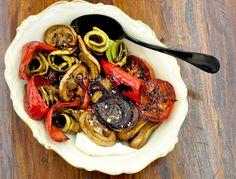 Salată de legume la grătar Ratatouille, Cooking, Breakfast, Ethnic Recipes, Food, Salads, Baking Center, Morning Coffee, Koken